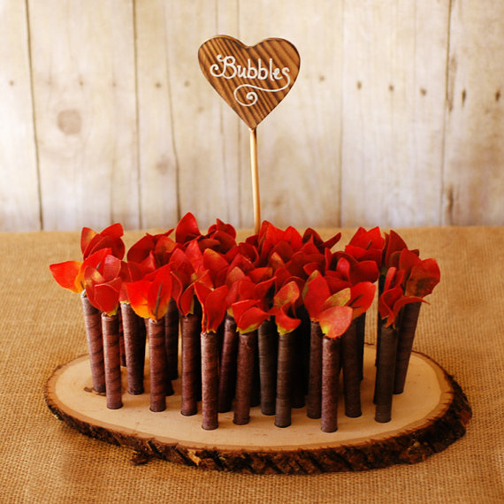 Red Twig Style Wedding Bubble Favors Found on RoxyHeartVintage on Etsy